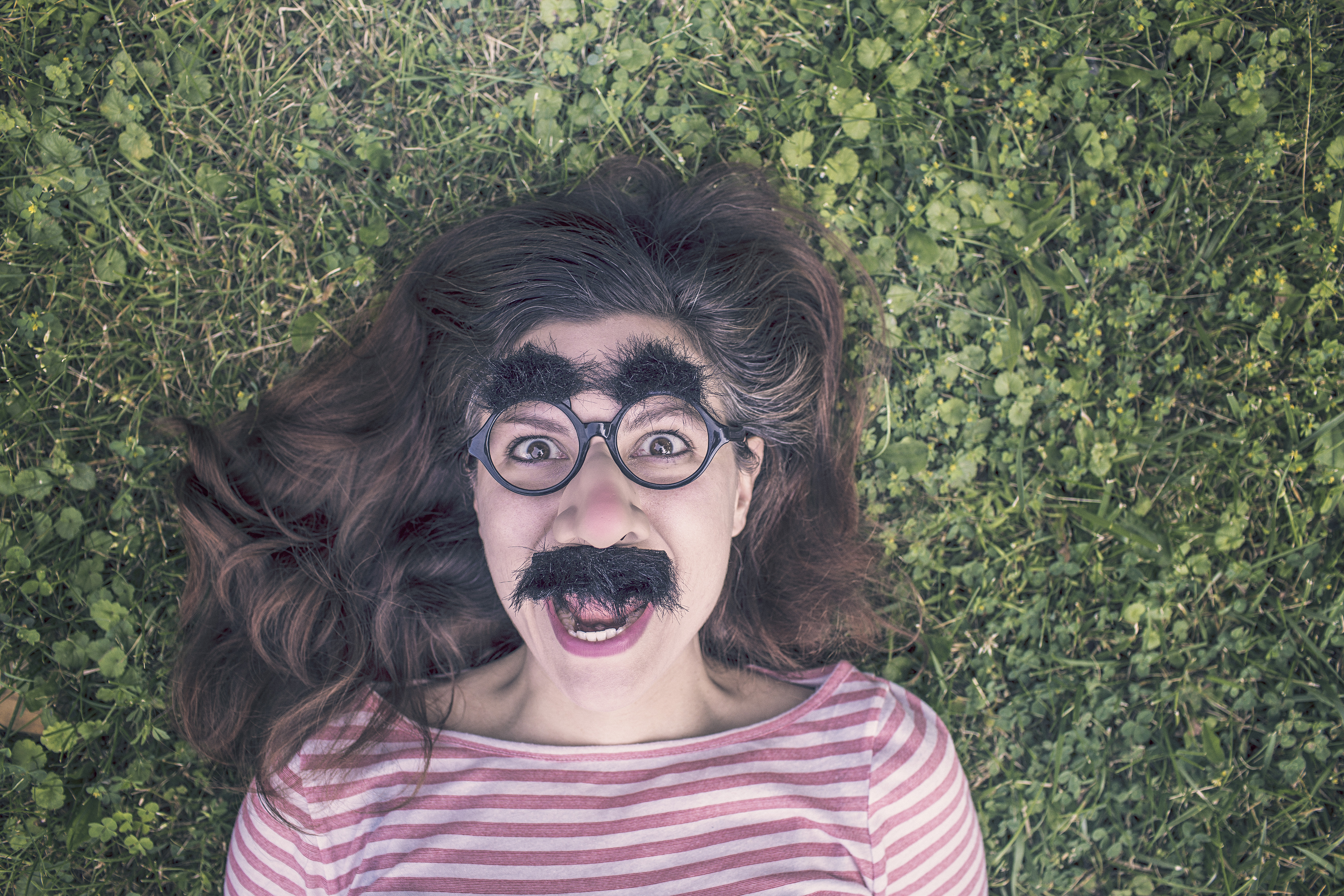 Hiding in disguise because your bad breath is... BAD? We can help!