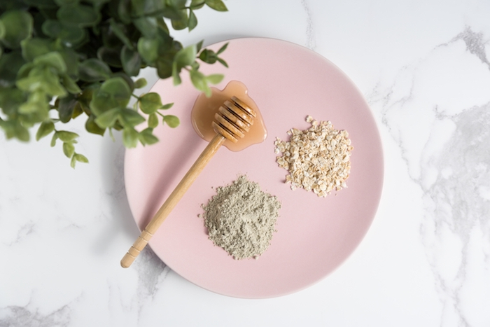 aerial-photo-of-natural-beauty-face-mask-ingredients-including-raw-honey-oats-and-bentonite-clay-on_t20_goNreY RESIZE FOR BLOG
